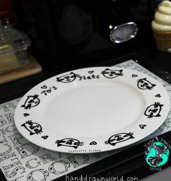 Hand Drawn Porcelain Dinner Plate with cat design. Great gift ideas